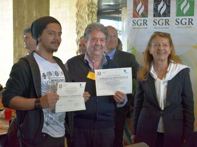 Lo studente Nicolas Joshua, il professor Vinicio Vanni e l'Ispettore ministeriale.